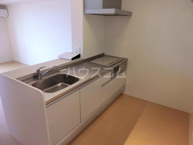 マーサ Ⅰ 102号室のキッチン