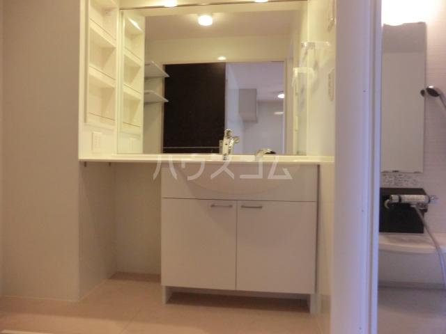 マーサ Ⅰ 102号室の洗面所