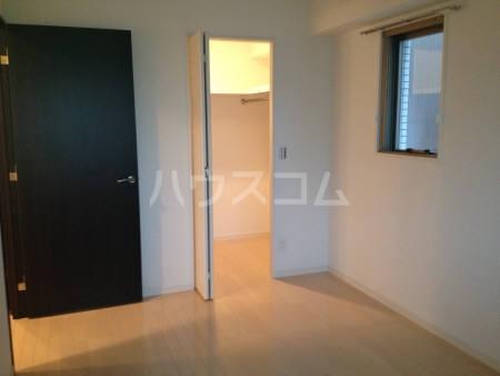 パークレジデンス 102号室の居室
