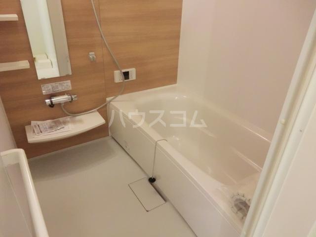 セリーヌコート S 202号室の風呂