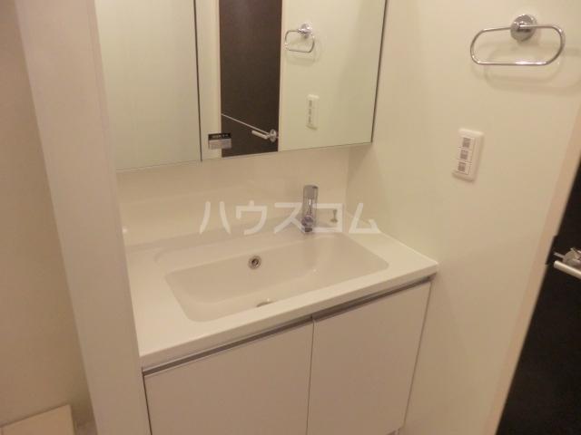 セリーヌコート S 202号室の洗面所