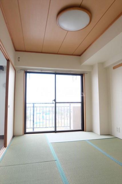 モナークプラザ西浦和秋ヶ瀬公園 610号室の居室