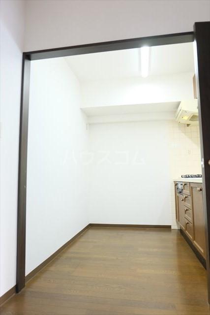 モナークプラザ西浦和秋ヶ瀬公園 610号室のキッチン