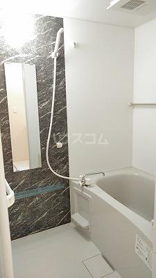 プリムヴェール弐十弐番館 202号室の風呂