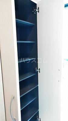 プリムヴェール弐十弐番館 203号室の収納