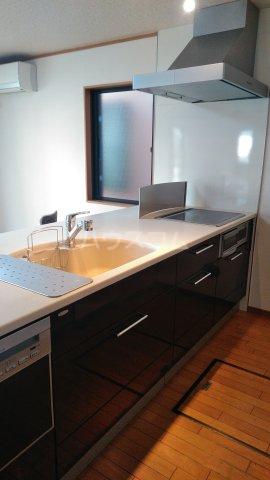 沼影1丁目貸家のキッチン