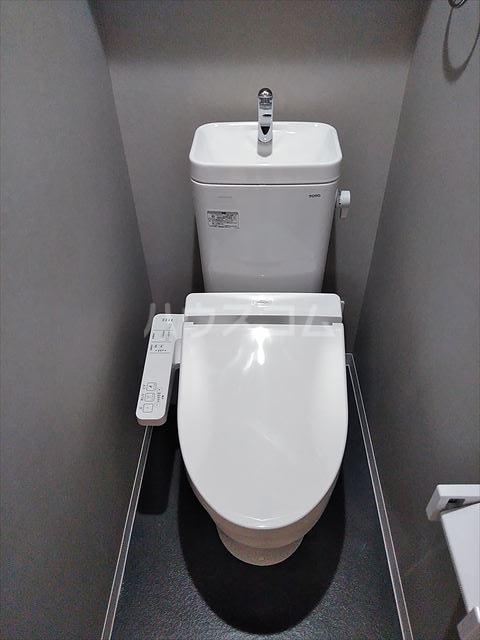 Nina 101号室のトイレ