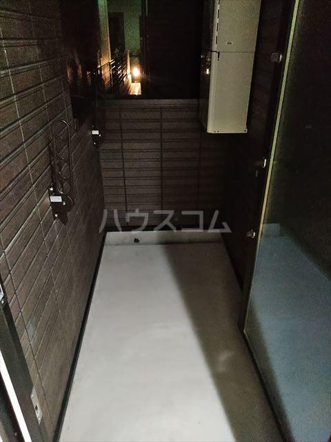 Nina 103号室のバルコニー