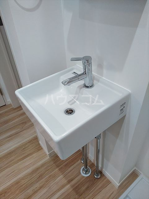 Nina 201号室の洗面所
