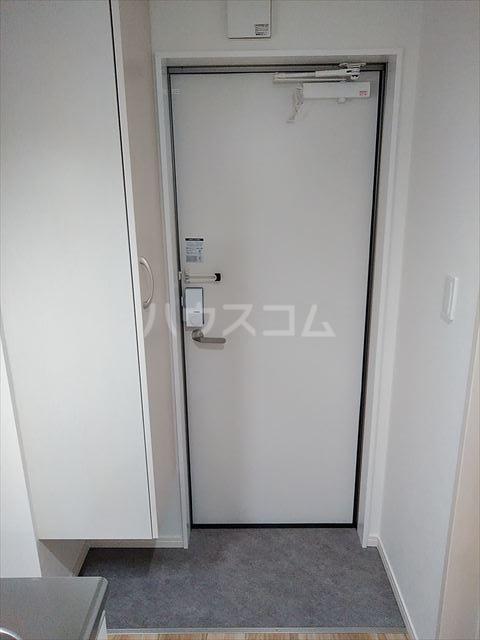 Nina 202号室の玄関