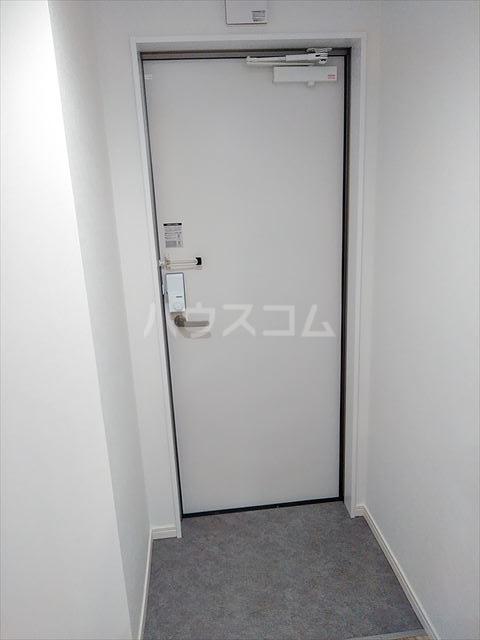 Nina 203号室の玄関