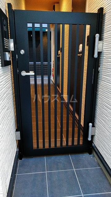 ミライエ武蔵浦和 102号室のエントランス