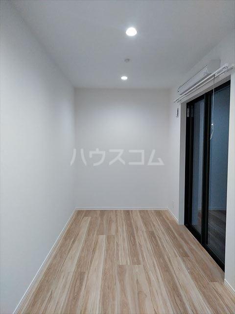 アークレス武蔵浦和 102号室のリビング
