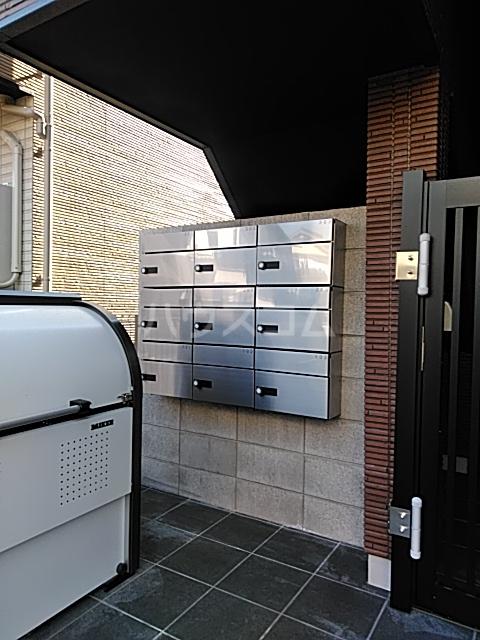 アークレス武蔵浦和 303号室の玄関