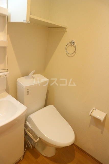 アーク・ヴィラWARABI 305号室のトイレ