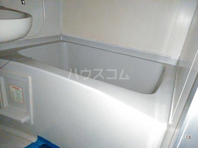 メゾン・ド・シャトー 107号室の風呂