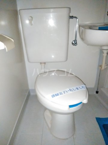 メゾン・ド・シャトー 107号室のトイレ