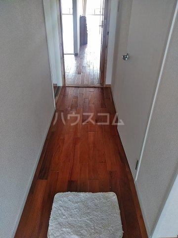 ユトリロ下地3 603号室の玄関