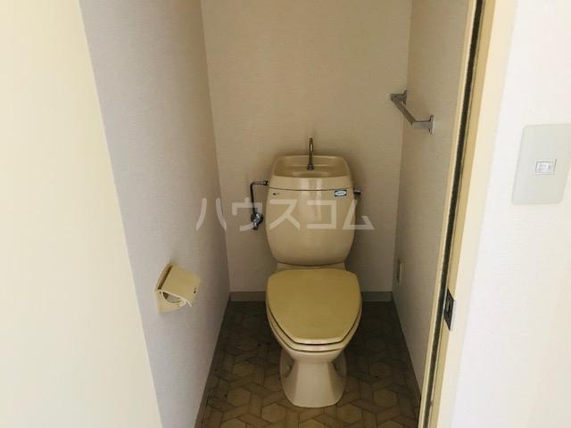 グリーンステージ堂坂B棟 201号室のトイレ
