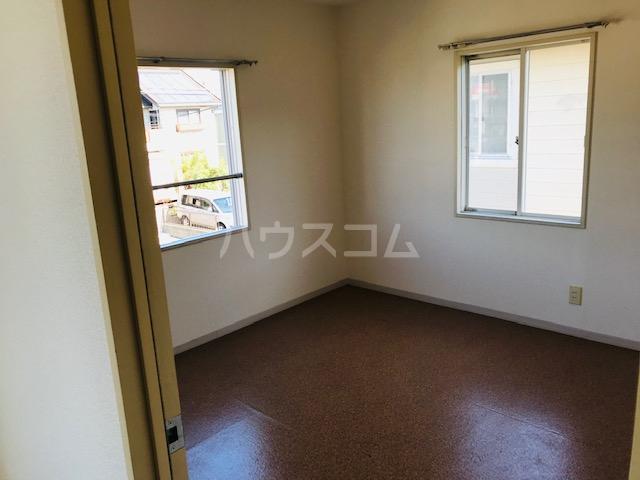 グリーンステージ堂坂B棟 202号室の居室