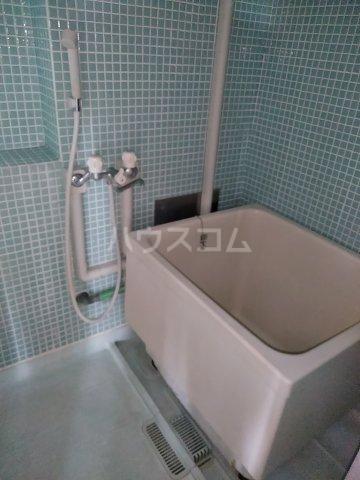 ビレッジ牧 301号室の風呂