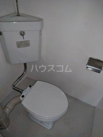 ビレッジ牧 505号室のトイレ