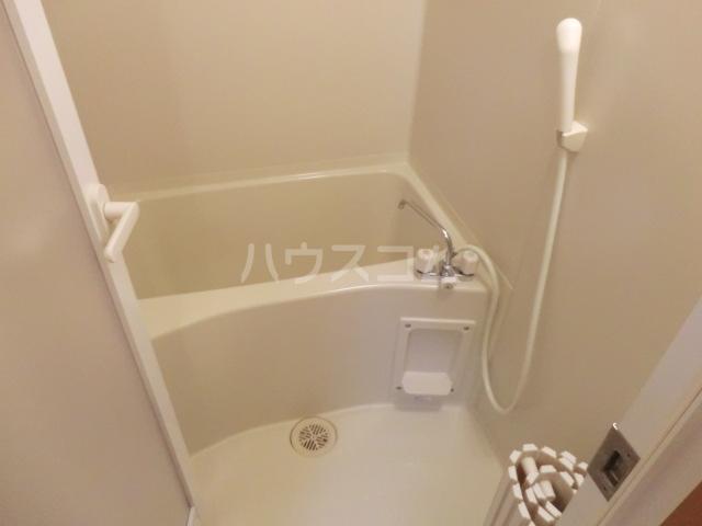 カアナパリ 301号室の風呂