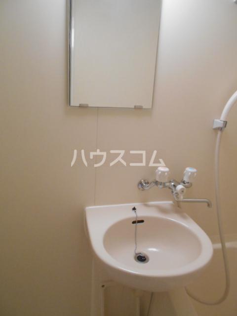 リファレンス呉服町 1401号室の洗面所