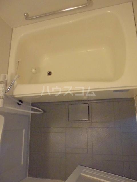 リヴェール 601号室の風呂