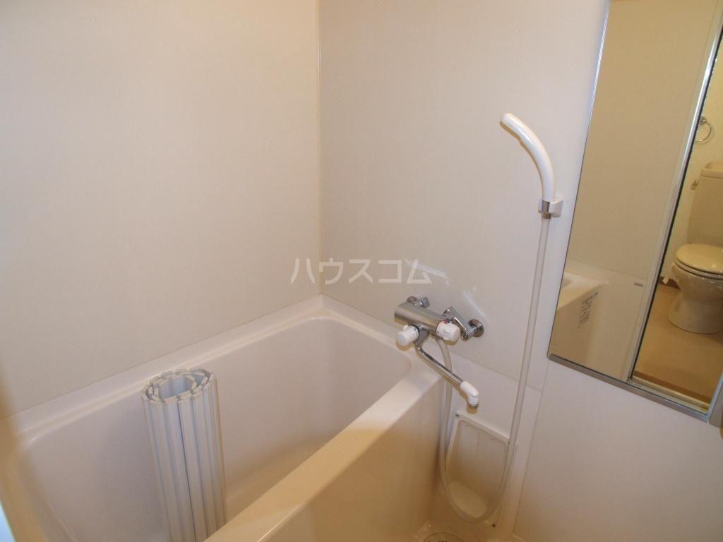 アクタス博多駅東 403号室の風呂