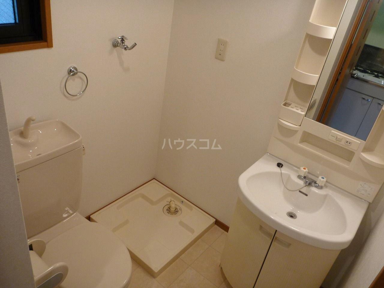 アクタス博多駅東 403号室の洗面所
