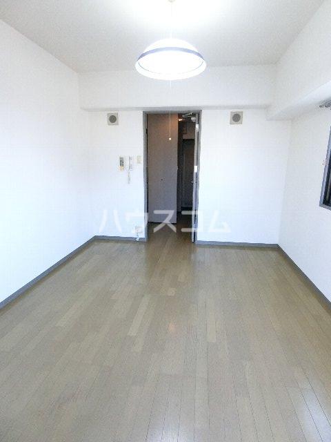 ドミ・エスポワール箱崎Ⅵ 804号室のリビング