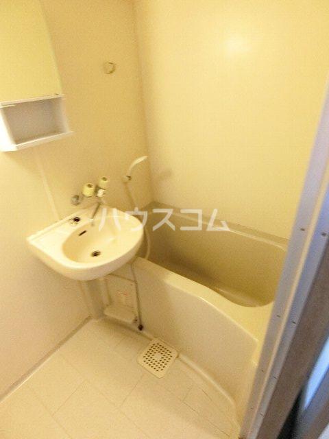 ドミ・エスポワール箱崎Ⅵ 804号室の風呂