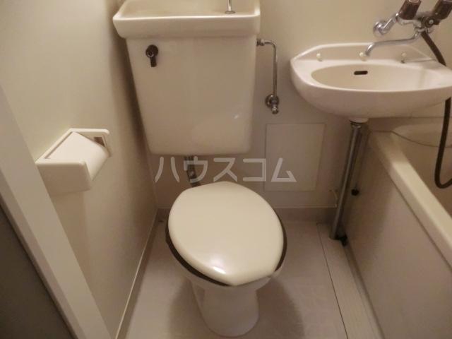 日之出ビル博多駅前 403号室のトイレ