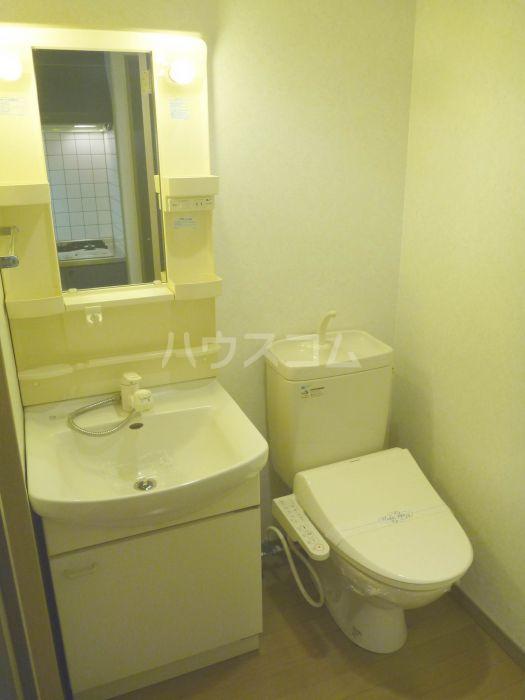 アクタス博多駅前 805号室の洗面所