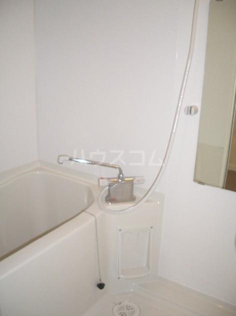 サヴォイザ・セントラルガーデン 610号室の風呂