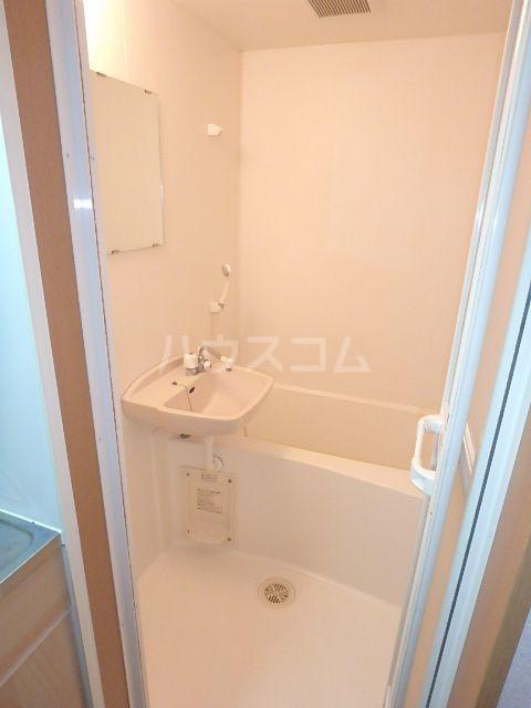 ヴィラ・ココ 201号室の風呂