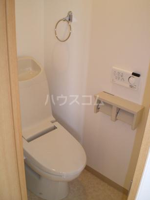 ウエストサイド箱崎 301号室のトイレ