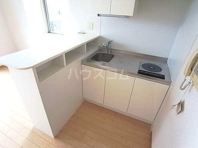 ウエストサイド箱崎 301号室のキッチン
