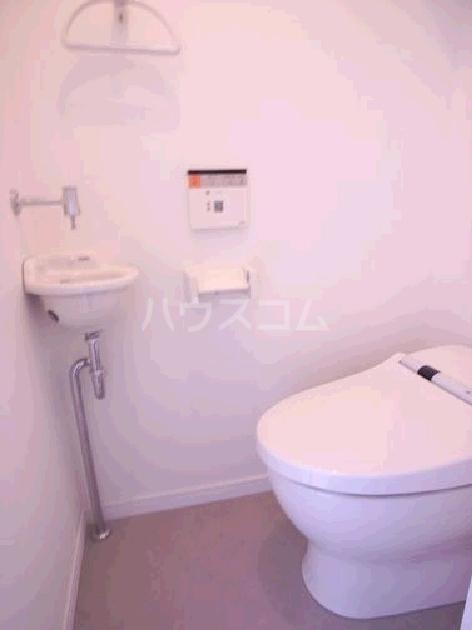 サヴォイスタジオスイーツ 405号室のトイレ