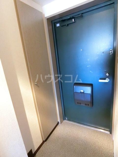 フルール井上 804号室の玄関