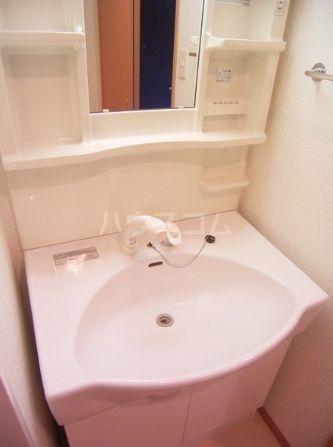 レジデンスカープ博多 201号室の洗面所