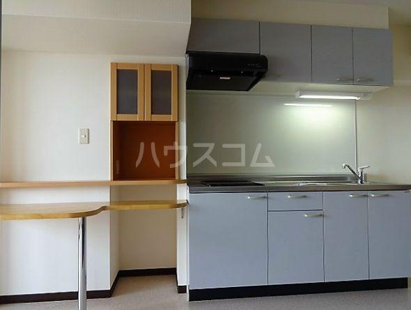 レジデンスカープ博多 601号室のキッチン