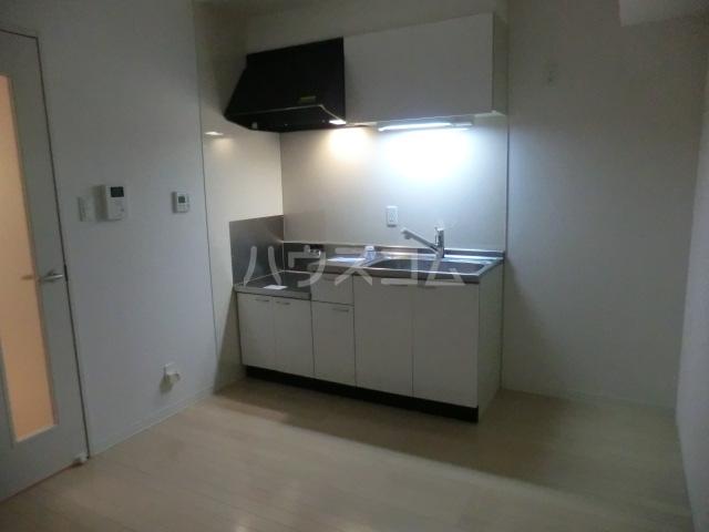 アーバンライフ松田 101号室のキッチン
