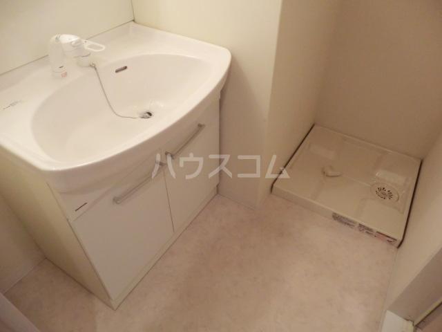 アーバンライフ松田 101号室の洗面所