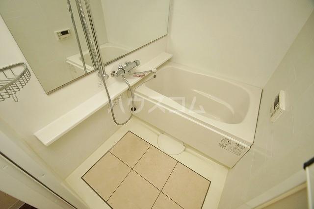 ウェルブライト博多 403号室の風呂