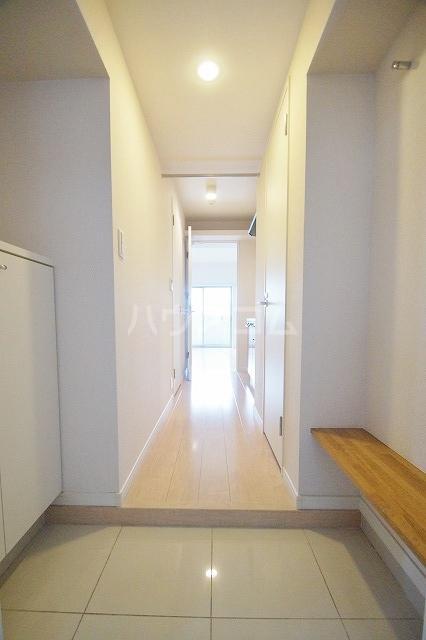 ウェルブライト博多 1106号室の玄関