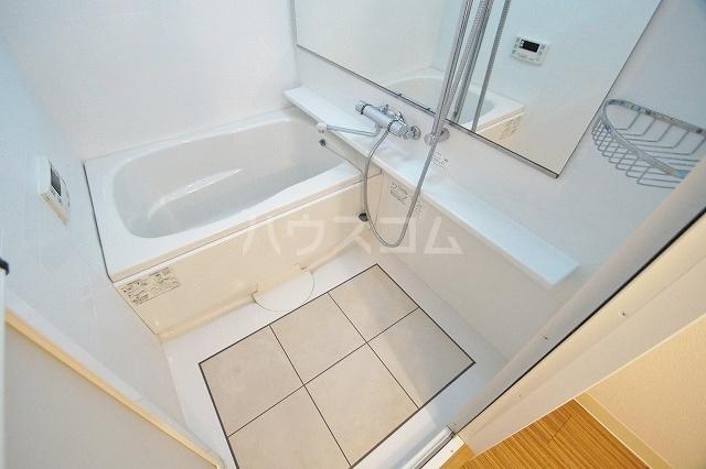 ウェルブライト博多 1106号室の風呂