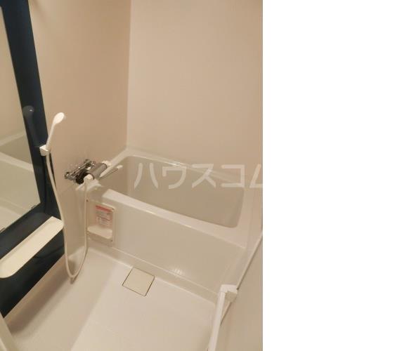 アハイブ箱崎駅前 201号室の風呂