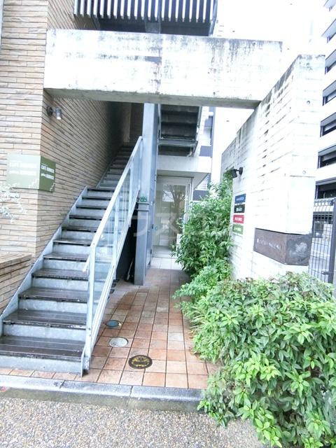 ベルニード箱崎 501号室のエントランス